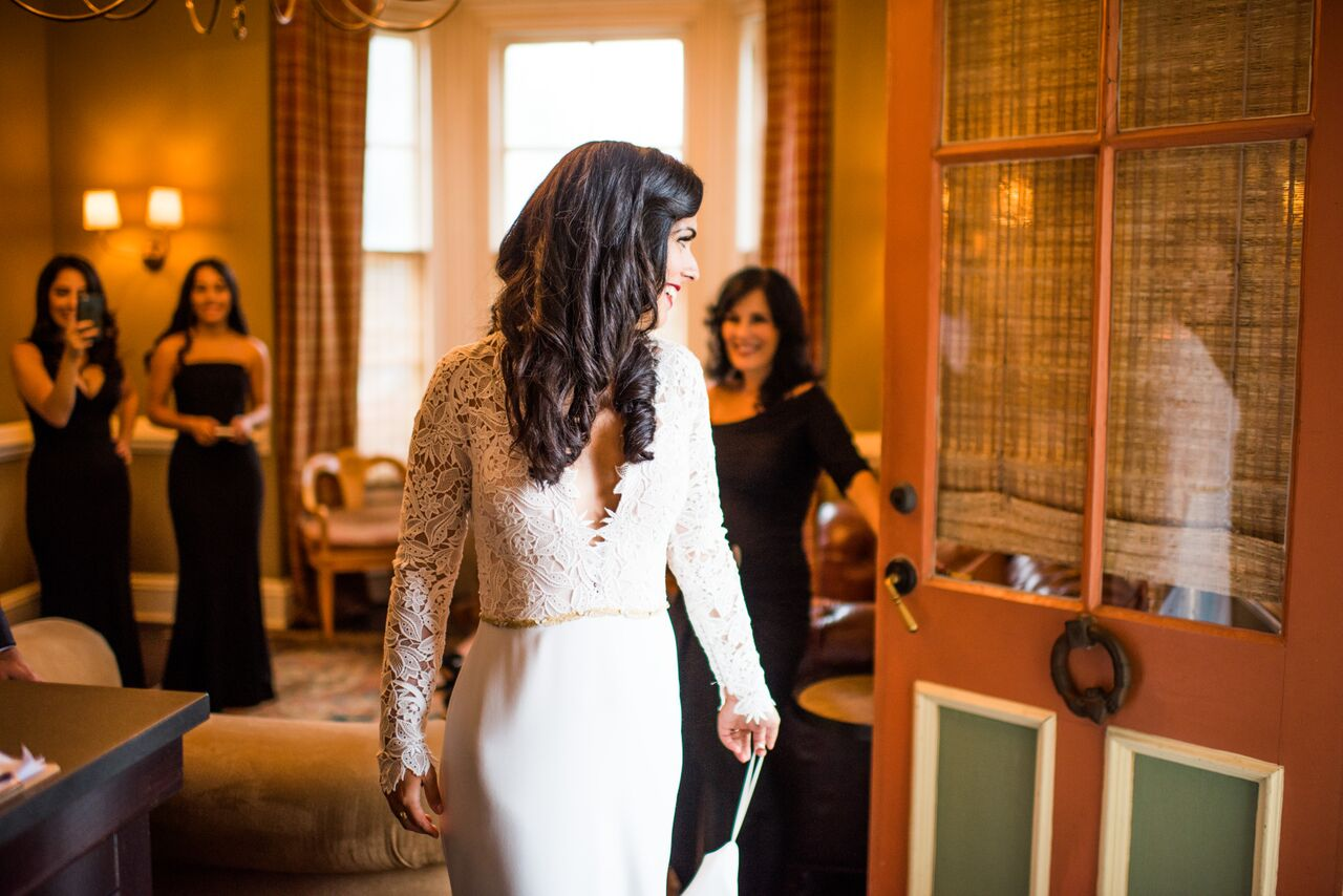Romantic Jedidiah Hawkins Inn Wedding Kaitlyn Ferris New York Getting Ready Bridal Suite